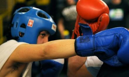 Jaki kask bokserski wybrać i na co zwracać uwagę przy zakupie?