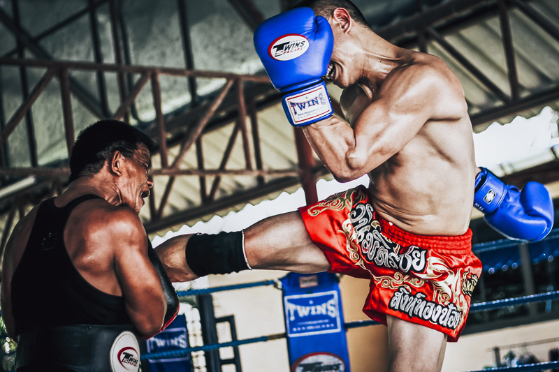 Jak się ubrać i jaki sprzęt wybrać na pierwszy trening sportów walki? Muay Thai