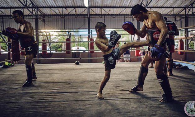 Być jak Tong Po – dlaczego boks tajski jest najlepszym wyborem jako pierwszy sport walki.