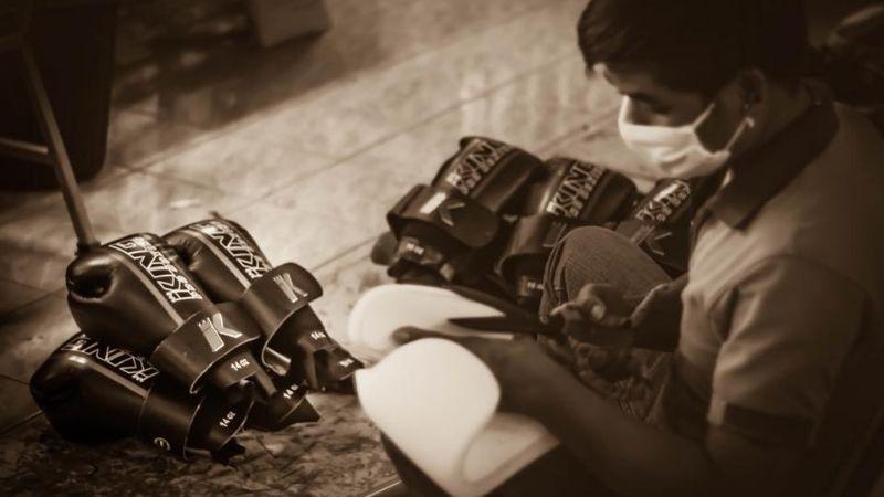 King Pro Boxing - ręcznie szyte rękawice do Muay Thai, Top King
